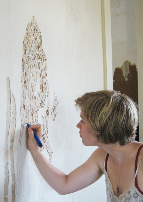 Francesca Lohmann - Working on wallpaper carving